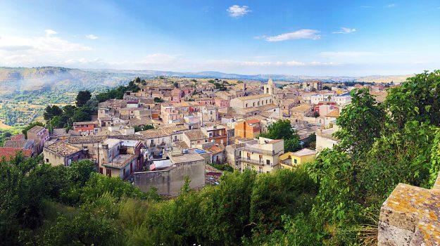 borgo dei borghi, Michele Anzaldi, Sicilia, Società