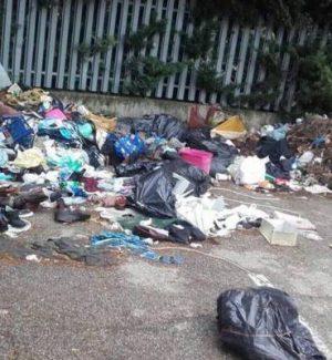 Emergenza rifiuti a Rende, polemica nel Villaggio Europa