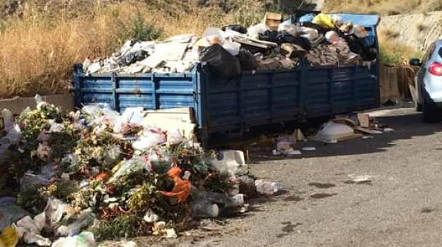 rifiuti, Catanzaro, Calabria, Politica