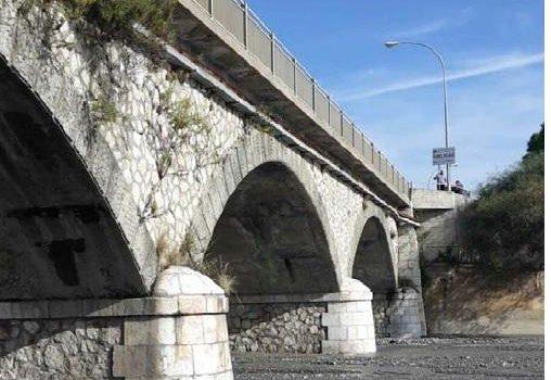 rifiuti speciali, torrente, Messina, Sicilia, Cronaca