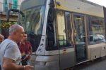 Messina, scontro tra un pullman e il tram: ferito uno dei conducenti - Foto