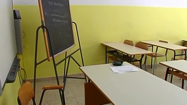 fase 2, scuola, Messina, Sicilia, Economia