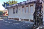 Cede il soffitto nella scuola di Trappitello, il Comune chiede aiuto alla Regione