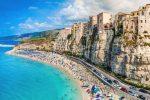 Turismo in Calabria, salvezza last minute: 6.200 addetti in bilico