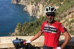 Vigile del fuoco percorre l'Italia in bici: la tappa a Lamezia Terme
