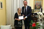 Nonna Maria e il sindaco Lucio Greco
