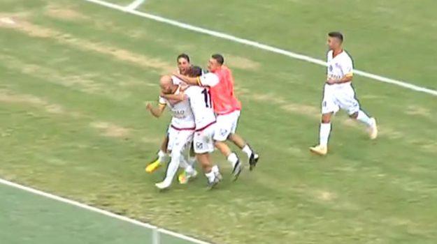 L'Acr Messina ritrova il sorriso, 3-1 in rimonta al Castrovillari: gli highlights