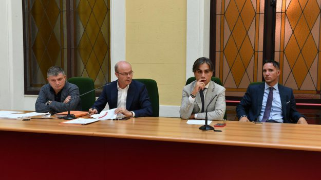 assemblea sindaci, ato, emergenza rifiuti reggio, Reggio, Calabria, Cronaca