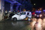 Raid incendiario a Messina, nella notte a fuoco un'auto e uno scooter - Foto