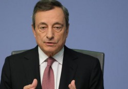 Bce, Draghi: «Nuovo Qe da 20 miliardi al mese da novembre» Le parole del presidente della Bce - Agenzia Vista/Alexander Jakhnagiev