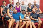 Famiglia da record a Brolo: è nato Nicolò, il bimbo con 13 nonni