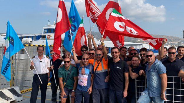 blu jet, ferrovie dello stato, sciopero, Messina, Sicilia, Cronaca