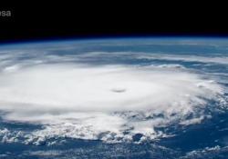 Dorian, l'occhio dell'uragano visto da Parmitano Le immagini dell'Esa - Corriere Tv