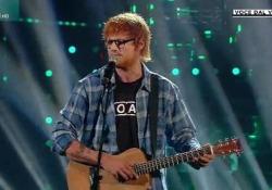 Francesco Monte imita Ed Sheeran a «Tale e Quale Show»: l'esibizione di Perfect è da standing ovation Monte ha interpretato il successo del cantante britannico e ha conquistato pubblico e giuria - Corriere Tv