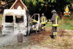 Incendio a Decollatura, a fuoco un furgone sul monte Reventino