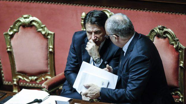 fiducia, governo, senato, Giuseppe Conte, Sicilia, Politica