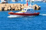 Barca a vela con 64 migranti si incaglia tra Bova Marina e Palizzi