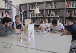 I volti dell'innovazione: capire il proprio lavoro del futuro giocando La Tech Academy del «Corriere»: 50 ragazzi hanno imparato a conoscere loro stessi e il loro ruolo nel mondo futuro «giocando» con gli esperti di Accenture Italia. Una metodologia innovativa che funziona - Corriere Tv