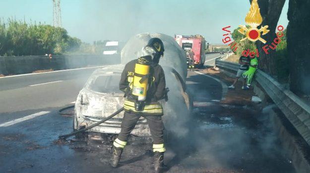 incendio auto, Catanzaro, Calabria, Cronaca