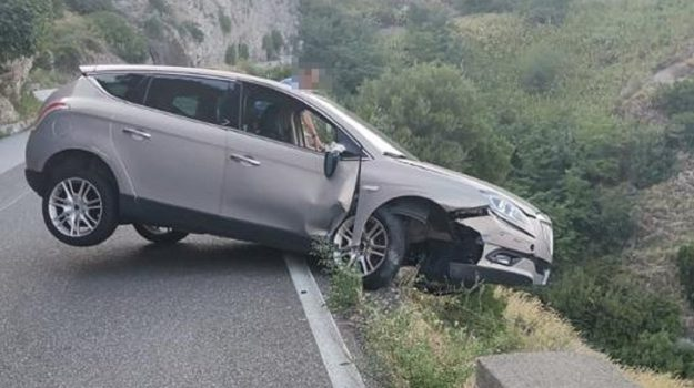 forza d'agrò, incidente, Messina, Sicilia, Cronaca