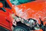 Incidenti, con l'auto contro un bus a Roccalumera: ferito un ragazzo