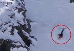 L'impressionante caduta dalla montagna della sciatrice americana La brutta avventura della ventenne Jennie Symons ai Winter Games in Nuova Zelanda - CorriereTV