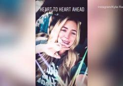 L'ultimo video di Kylie Rae Harris, in auto poco prima dell'incidente Su Instagram raccontava in lacrime che aveva trascorso gli ultimi 20 anni della sua vita andando a Taos con il padre e le sorelle - Corriere Tv
