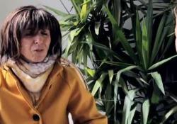 «La nostra vita impossibile vicino agli allevamenti» La videodenuncia di Greenpeace con le testimonianze di chi vive di fianco agli impianti suinicoli. E ora l'associazione chiede alla Ue di cambiare politica - Corriere Tv