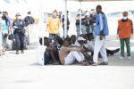 Migranti in Sicilia: sequestrata la Mare Jonio, fermato lo scafista della Eleonore
