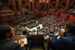 Fiducia al governo, dibattito alla Camera: Conte contestato da Lega e Fdi - Diretta video