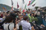 """La Lega a Pontida, tensioni e insulti. Salvini: """"Referendum se smonteranno il dl sicurezza"""""""