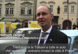 Praga, tornano in mostra le auto della Germania dell'Est In esposizione le Trabant, l'unico mezzo privato per i tedeschi del blocco comunista - Ansa