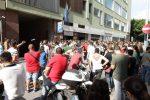 Notte in auto e file infinite, la lunga attesa dei mille candidati per 100 posti da netturbino a Messina - Video