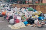 """Polveriera"" rifiuti a Reggio Calabria tra vertenze e gravi disagi"