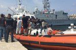 Quattro sbarchi a Lampedusa e Porto Empedocle, arrivati 91 migranti