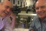"""""""Aperitivo con il fratellone"""", il raro selfie di Nicola e Luca Zingaretti"""