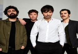 Una Milano rarefatta e disegnata, quella dei Minnie's La rockband presenta il suo nuovo video Cicale - Corriere Tv