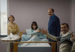 Venezia76, lo scontro generazionale divide le famiglie alla Mostra Robert Guédiguian e il suo «Gloria Mundi» ma anche il regista portoghese Guedes con «A Herdade» raccontano come figli e padri (e madri) prendano strade diverse nella vita - CorriereTV