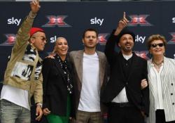 X Factor 13: tutto quello che è successo nella prima puntata L'esordio nelle Auditions al tavolo dei giudici per Sfera Ebbasta, Malika Ayane e Samuel insieme alla veterana Mara Maionchi - Corriere Tv