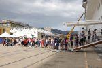 Sei navi da crociera approdano a Messina, la città invasa da 10 mila turisti - Foto