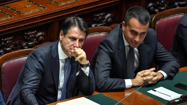governo, manovra, movimento 5 stelle, Giuseppe Conte, Luigi Di Maio, Matteo Renzi, Sicilia, Politica