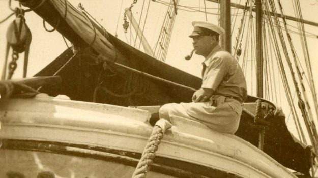 """Le meraviglie dello Stretto, """"Il Mediterraneo in barca"""" e il viaggio per mare di Simenon"""