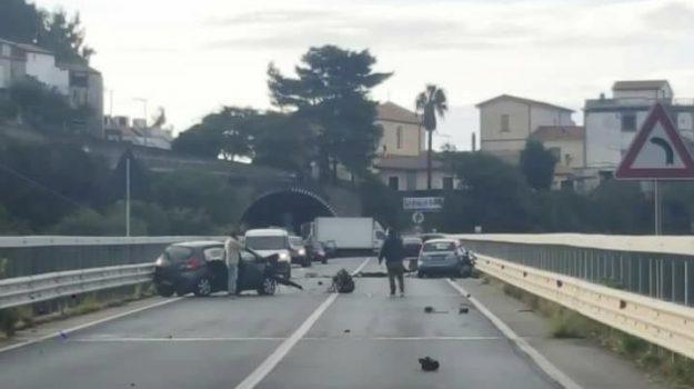 acquappesa, incidente, statale 18, Cosenza, Calabria, Cronaca