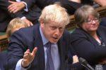 Caos Brexit, il premier Johnson chiede una proroga all'Ue
