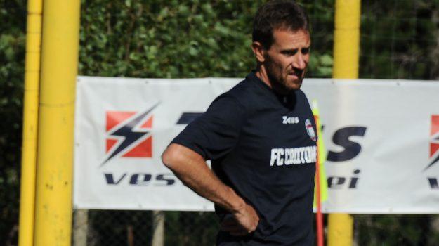 calcio, crotone, serie b, Sergio Mascheroni., Catanzaro, Calabria, Sport