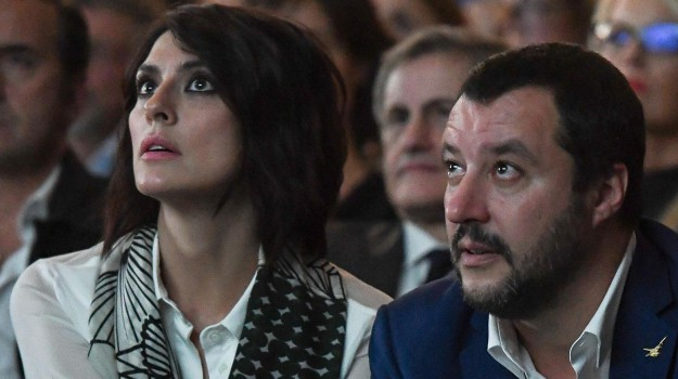 gossip, Elisa Isoardi, Matteo Salvini, Sicilia, Società