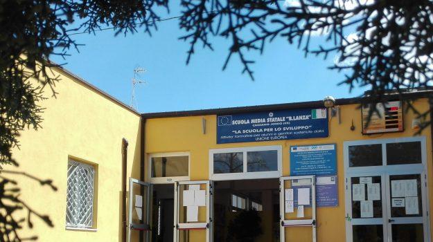 scuole Cassano, topi Cassano, Cosenza, Calabria, Cronaca