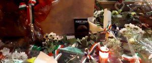 Poliziotti uccisi a Trieste, città a lutto: ma esplode la polemica sulla fondina