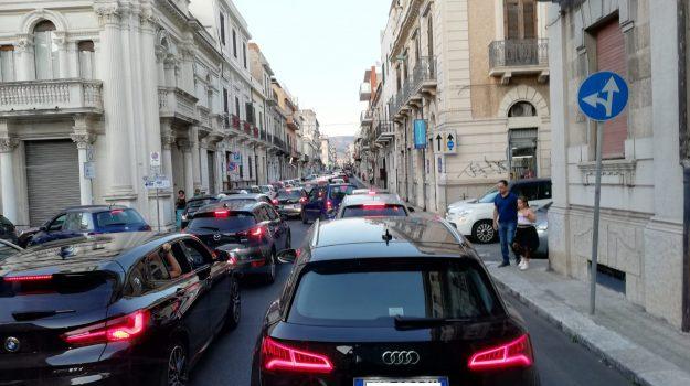 parcheggi selvaggi Reggio, traffico Reggio, Reggio, Calabria, Cronaca