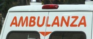 Tragedia a Biancavilla, viene investita da un'auto e sbatte la testa: muore una 73enne